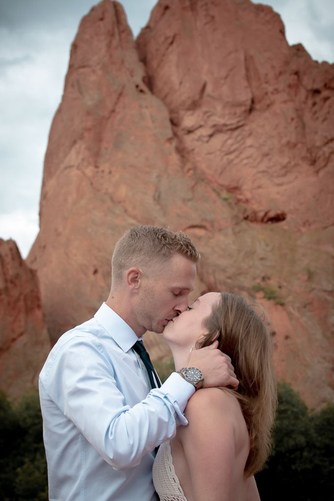 Eloping couple kissing at Garden of the Gods in Colorado