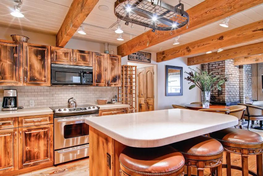 Warm and cozy elegant Airbnb in Aspen Colorado