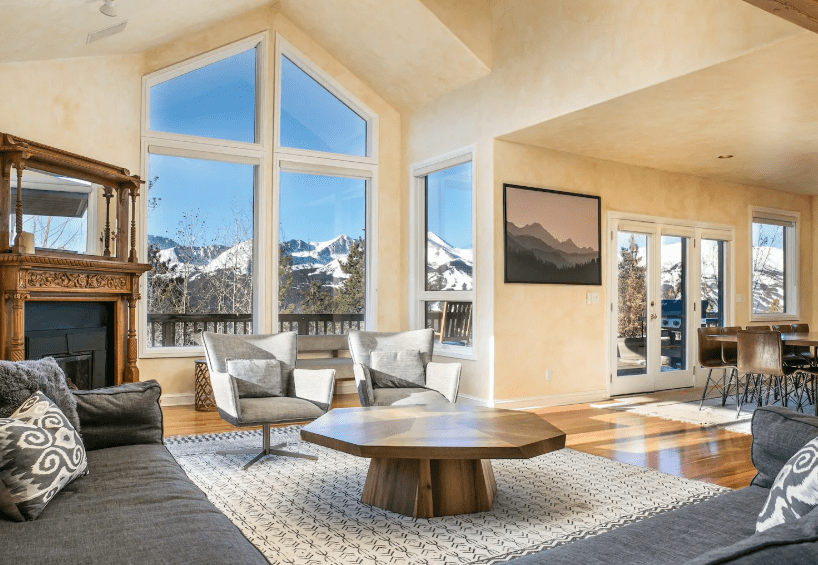 Large and stylish Airbnb in Breckenridge with mountain views