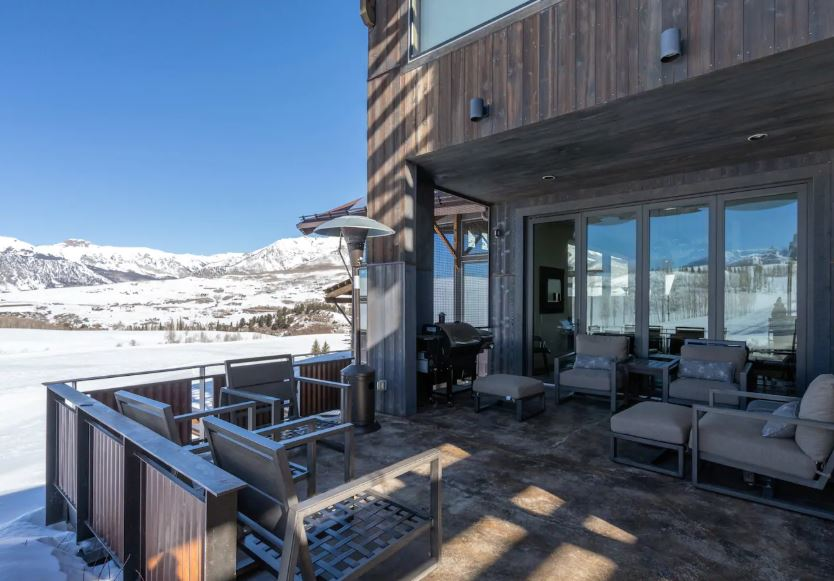 Modern Telluride Airbnb with a patio and mountain views perfect for elopements