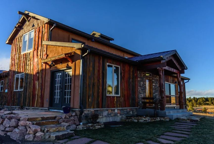 Colorado Springs Airbnb log house for weddings