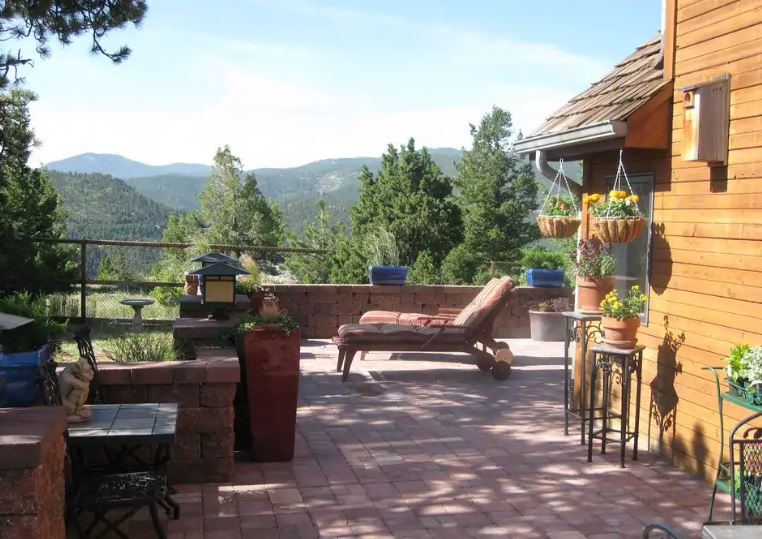 Boulder Colorado Airbnb with a patio and mountain views for weddings