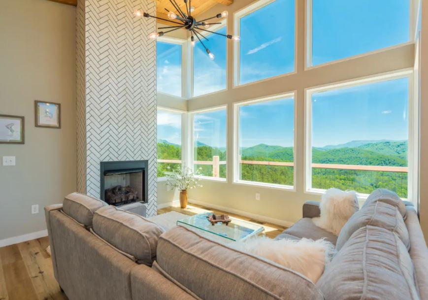 Modern Gatlinburg Airbnb with fireplace and mountain views