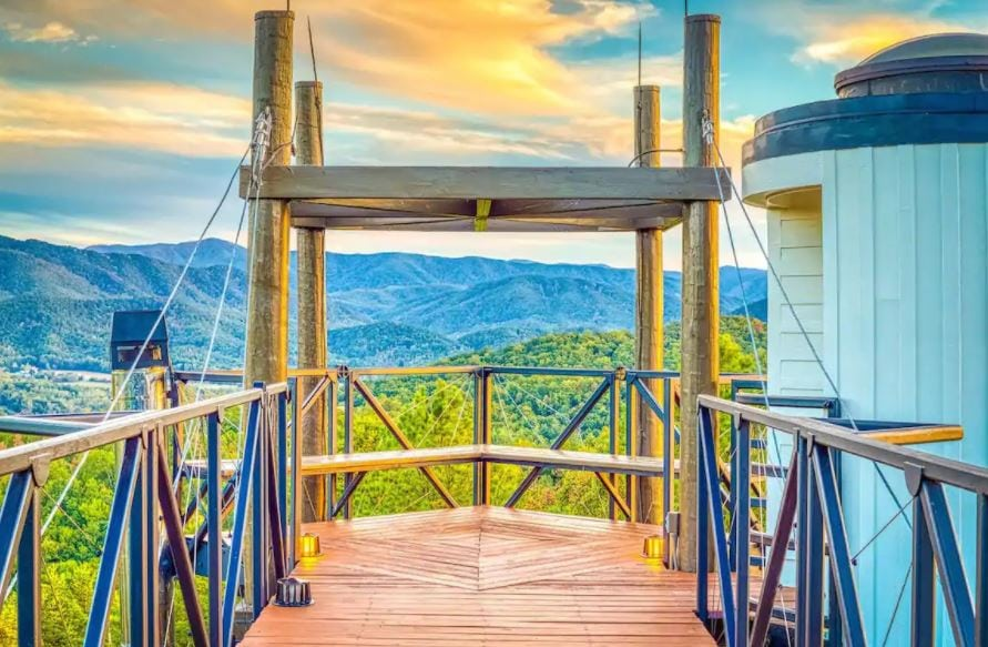 Airbnb near Gatlinburg Tennessee with patio and mountain view