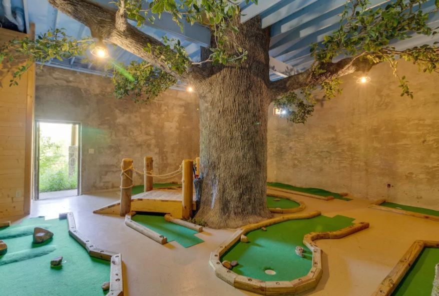Mini golf course in an Airbnb in Gatlinburg Tennessee
